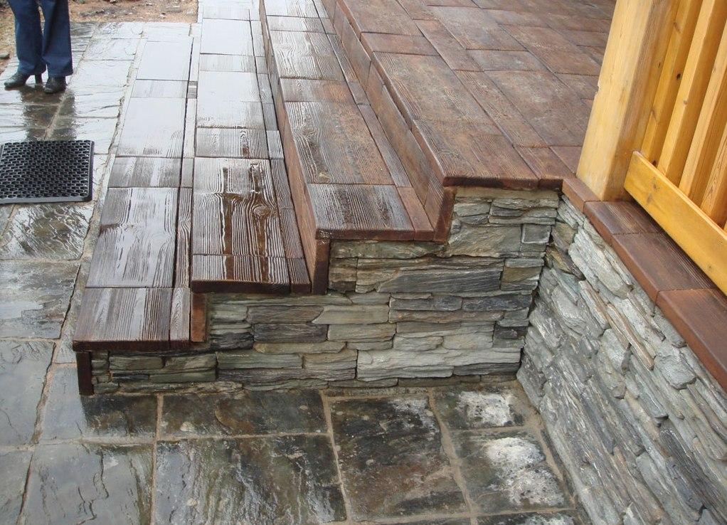 отделка цоколя деревянного дома искусственным камнем